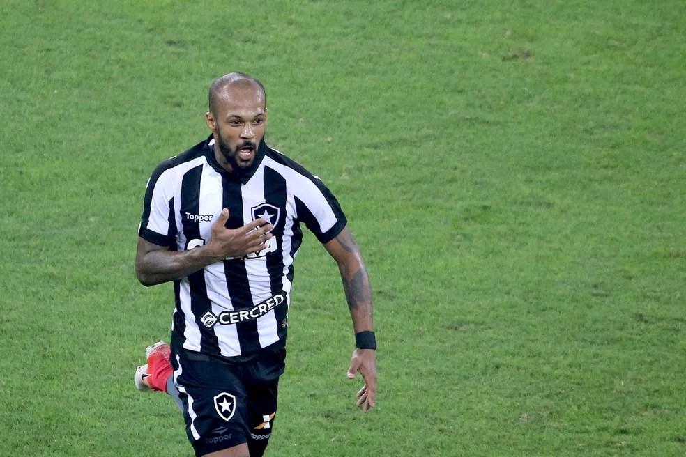 Botafogo joga por um empate na Ilha do Retiro, no Recife (Foto: Satiro Sodré/SSPress/Botafogo)