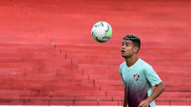 Miguel em treino do Fluminense em 2020 — Foto: Mailson Santana FFC