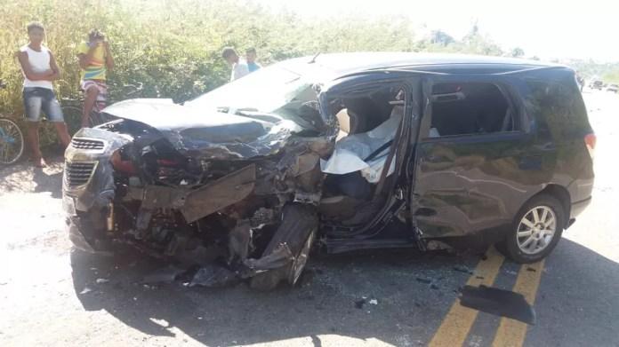 Segundo a PRF, o condutor do veículo era taxista e transportava passageiros de Mata Roma para São Luís (Foto: Divulgação/PRF)