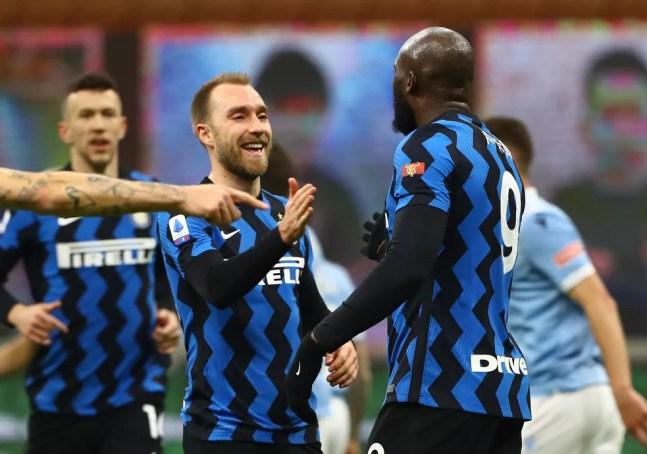 Eriksen e Lukaku são companheiros de clube na Inter de Milão — Foto: Marco Luzzani/Getty Images