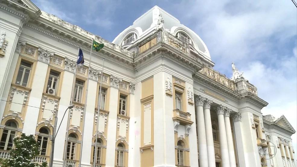 Palácio da Justiça fica no bairro de Santo Antônio, no Centro do Recife, e recebe plantão judiciário de 2º Grau do TJPE (Foto: Reprodução/TV Globo)