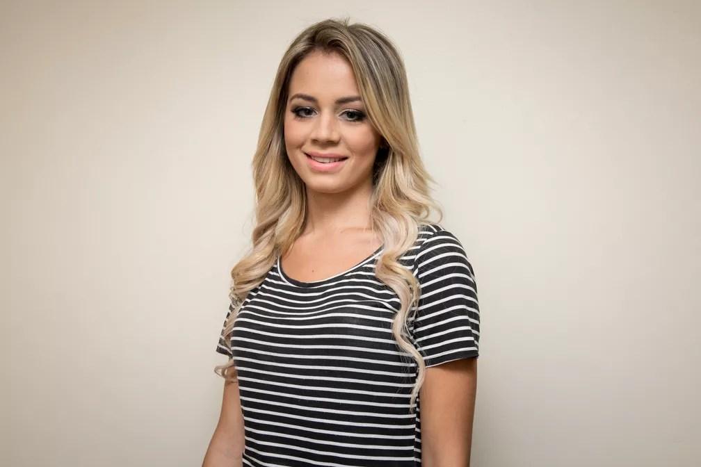 Caroline Suri, 21 anos, administradora, representa o Paraná (Foto: Celso Tavares/G1)
