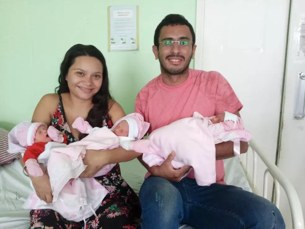 Esperando gêmeos, mãe descobre terceira filha na sala de parto no Piauí — Foto: Gilcilene Araújo/ G1 PI