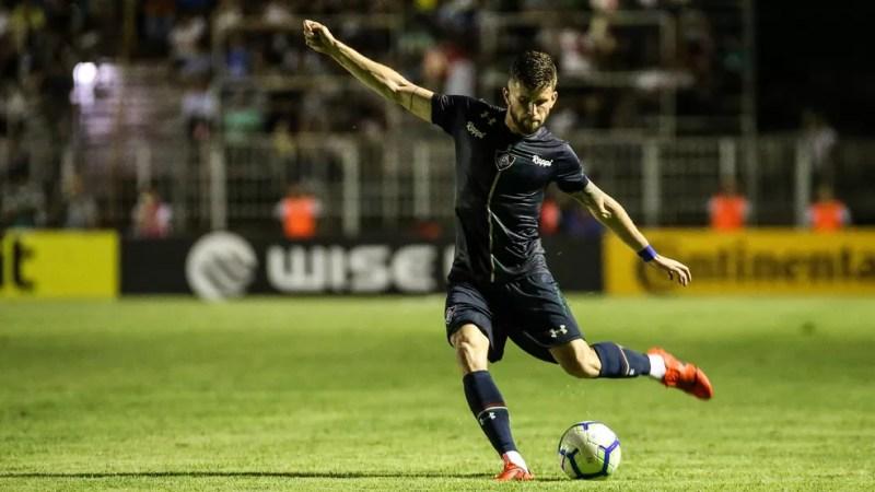 Caio Henrique é um dos atletas que mais participam do jogo de passes do Fluminense — Foto: Lucas Merçon