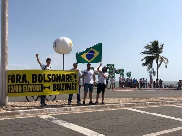 Manifestantes fazem ato contra Bolsonaro em São Luís — Foto: Luciano Dias/Grupo Mirante