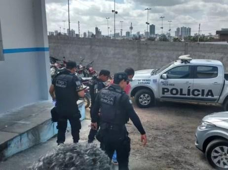 Operação cumpriu mandados de prisão preventiva e busca e apreensão em Pernambuco e Alagoas (Foto: Rodrigo Miranda/G1)