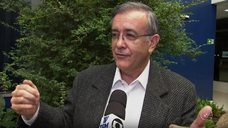 Comissão vai pedir o afastamento do prefeito José Crespo  (Foto: Reprodução/TV TEM)