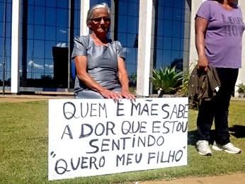 Mãe do homem que desapareceu após uma suposta ação policial (Foto: Gabriella Julie/G1 DF)