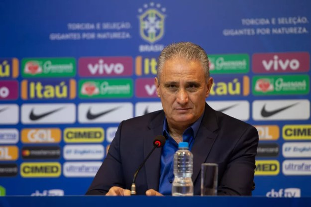 Tite estabeleceu o limite de um atleta por clube (Foto:  Pedro Martins / MoWA Press)