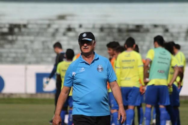 Felipão comanda treino do Grêmio no Olímpico — Foto: Eduardo Deconto/GloboEsporte.com