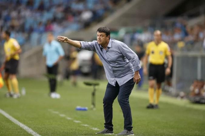 Adilson Batista comandou o time somente em três jogos, e três derrotas: Vasco, Grêmio e Palmeiras — Foto: Edson Vara/ Lightpress/ Cruzeiro