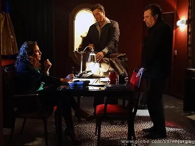 Wanda e Russo tramam destino de filha de Morena (Foto: Salve Jorge/TV Globo)