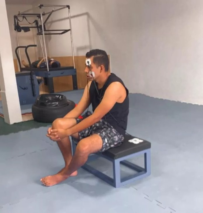"""""""A paralisação mexeu muito com minha autoestima"""", diz Alan durante sessão de fisioterapia — Foto: Alan Richard/Arquivo pessoal"""