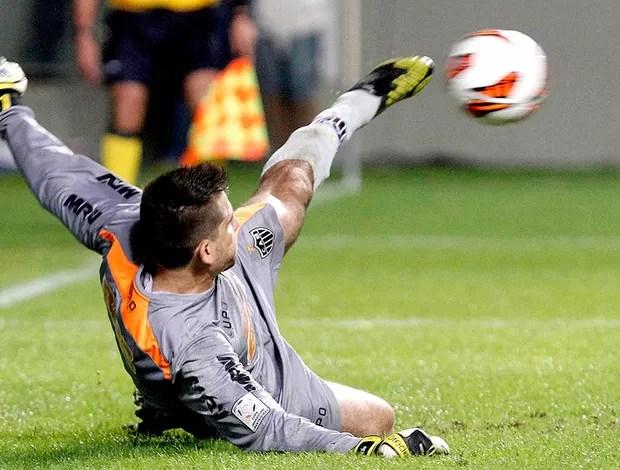 Victor defesa pênalti jogo Atlético-MG Tijuana (Foto: Reuters)