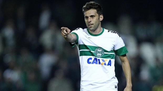 Lincoln gol Coritiba (Foto: Heuler Andrey / Ag. Estado)