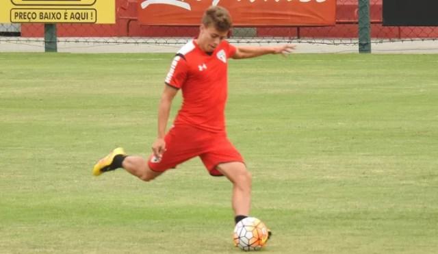 Lucas Fernandes São Paulo (Foto: Marcelo Hazan)