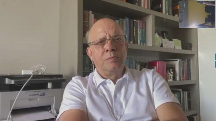 O médico infectologista Carlos Starling — Foto: Reprodução/TV Globo