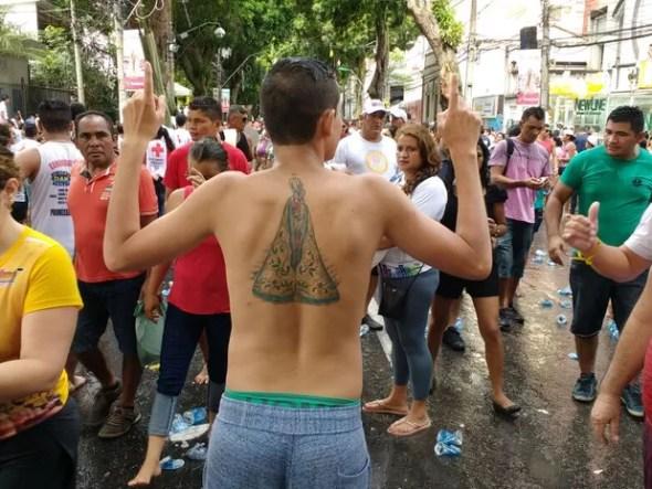 Vitor Henrique, funcionário público, leva Maria na pele (Foto: Arthur Sobral / G1)