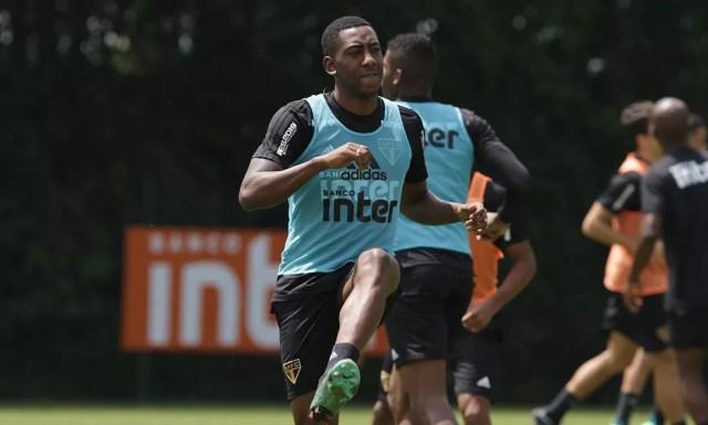 Gonzalo Carneiro faz dupla com Diego Souza no São Paulo — Foto: Rubens Chiri / saopaulofc.net