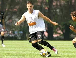 diogo treino são paulo (Foto: Luiz Pires/VIPCOMM)