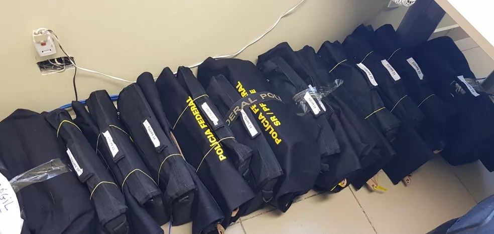Documentos apreendidos na Operação Fantoche serão analisados pela Polícia Federal  — Foto: Polícia Federal/Divulgação