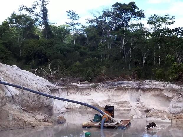 Garimpo ilegal foi contrado pelo Ibama durante operação na região (Foto: Divulgação/Ibama)