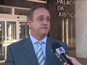 Secretário da Educação, Vieira da Cunha se compromete com plano de negociação (Foto: Reprodução/RBS TV)