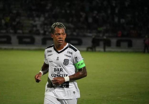 Revelado pelo arquirrival Campinense, Marcelinho Paraíba jogou mais pelo Treze ao longo da carreira — Foto: Ramon Smith/Treze