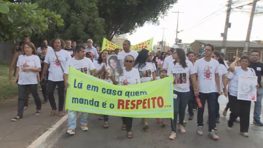 Marcha em homenagem a Jessyka Laynara, em Ceilândia, no DF (Foto: TV Globo/Reprodução)
