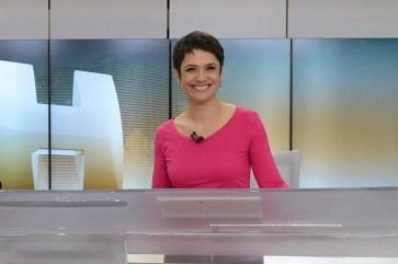 Sandra Annenberg na bancada do Jornal Hoje, onde esteve por 18 anos — Foto: Zé Paulo Cardeal/Globo