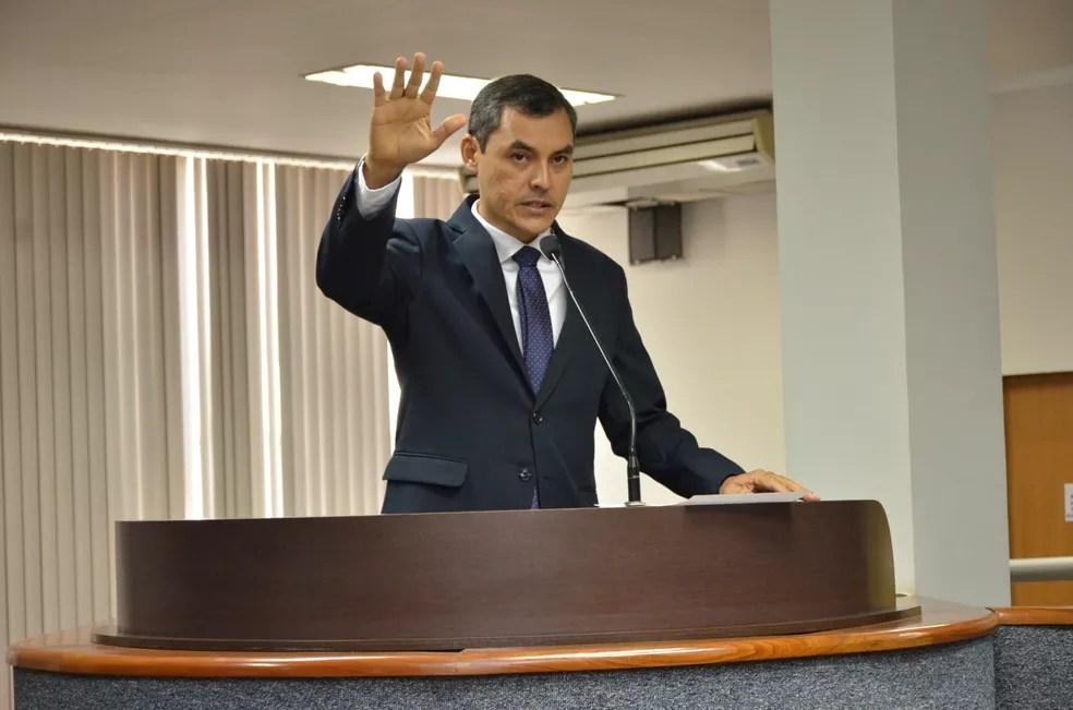 Erivelton Santos tomou posse na Câmara de Palmas — Foto: Ascom/Câmara de Palmas