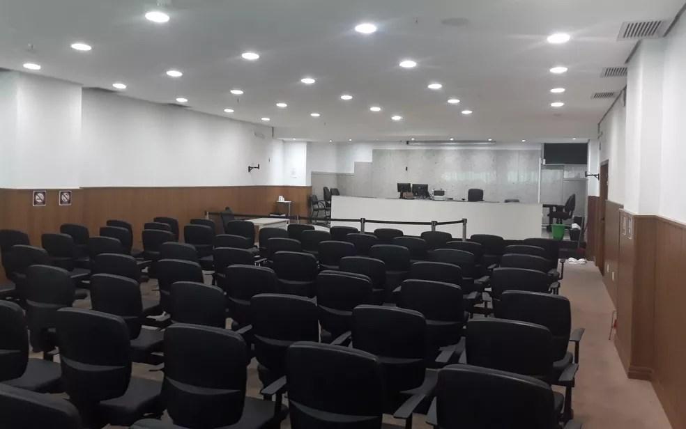 Sala de Tribunal do Júri em Goiânia — Foto: Sílvio Túlio/G1