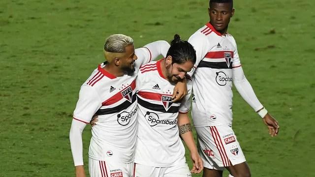 Gol Benítez Vasco x São Paulo