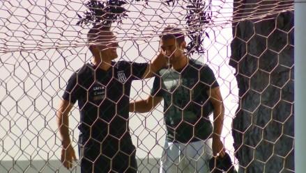 Daniel conversou com o técnico Doriva antes de deixar o CT do Jardim Eulina  (Foto: Carlos Velardi/ EPTV)