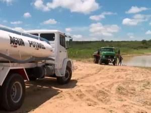 Falta de água atinge moradores nas zonas urbana e rural de Marcolândia (Foto: Reprodução/TVClube)
