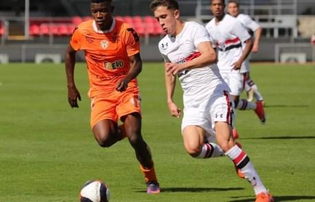 No primeiro turno, as equipes ficaram no empate em 1 a 1, em duelo equilibrado (Foto: Wilson Ribeiro/saopaulofc.net )