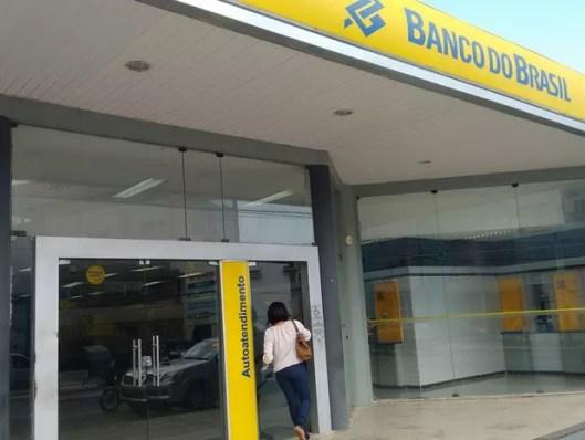 Clientes têm dificuldades para resolver problemas, uma semana após início de greve (Foto: Robert Oliveira/G1)