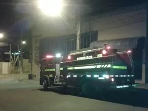Incendio em fábrica de sapatos em Nova Serrana (Foto: Wallace Campos/ Arquivo Pessoal)