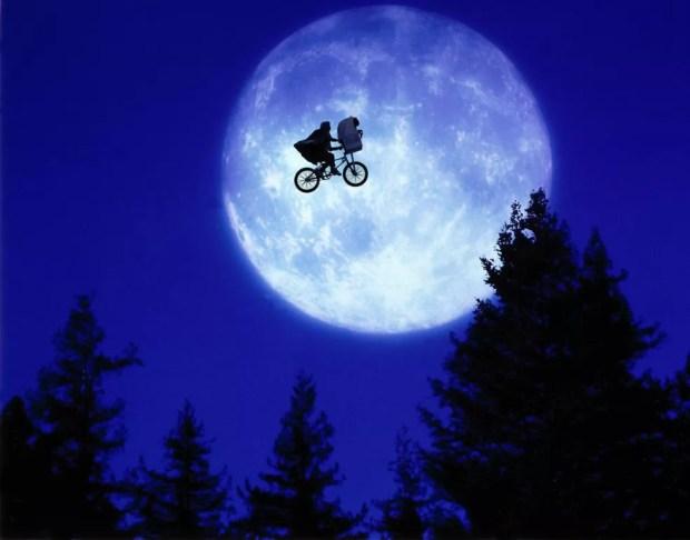 Cena de 'E.T. – O extraterrestre'  — Foto: Divulgação