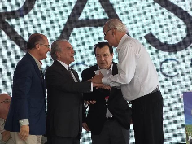 Alckmin e Temer participavam de cerimônia quando manifestantes deram início a ato em Ribeirão Preto, SP (Foto: Érico Andrade/G1)