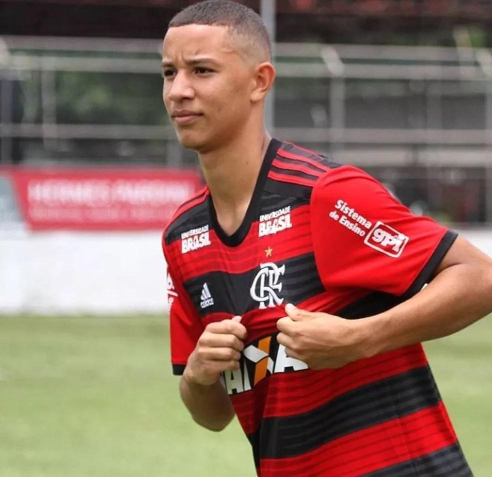 Kayque Soares é um dos sobreviventes do incêndio no CT do Flamengo — Foto: Reprodução/Instagram