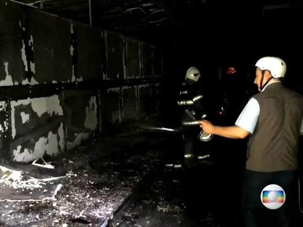 No segundo andar do Museu da Língua Portuguesa não sobrou nada (Foto: TV Globo/Reprodução)