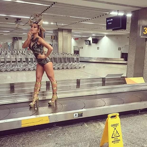 Sabrina Sato no Aeroporto Santos Dumont, no Rio (Foto: reprodução/instagram)