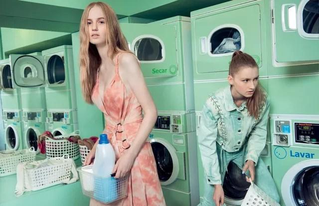 Até a área de serviço pode entrar na tendência: você pode pintar os eletrodomésticos e as paredes na mesma cor (com tintas apropriadas, claro) (Foto: Fred Othero/Arquivo Vogue)