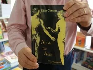 Lançado há 15 anos, livro será relançado  (Foto: Rafaella Fraga/G1)