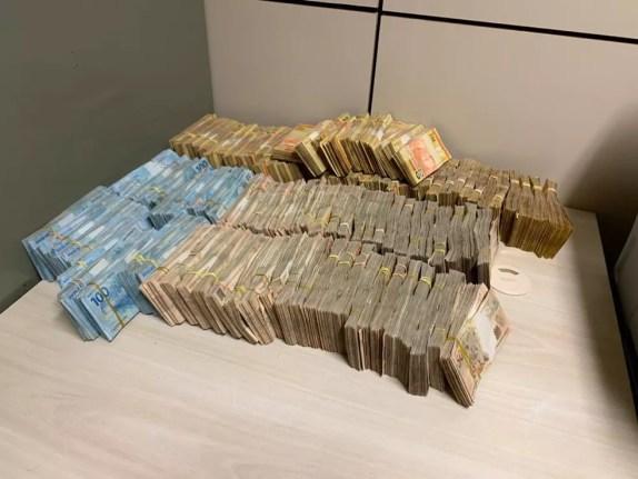 Dinheiro apreendido durante o cumprimento de mandados — Foto: PF/Divulgação