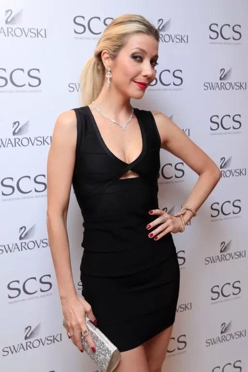 Luiza Possi faz pocket show em evento da Swarovski (Foto: Fabio Zanzeri)