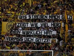 Protesto Borussia Gotze (Foto: Reuters)