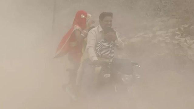 Quatorze cidades da Índia estão entre as 20 mais poluídas do mundo, segundo a OMS (Organização Mundial da Saúde) (Foto: EPA)