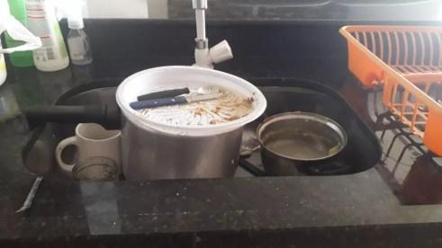 A casa da recepcionista Carla Ponce no Grande Recife está há dias sem água, e a família teme o avanço da Covid-19 no estado — Foto: Arquivo pessoal